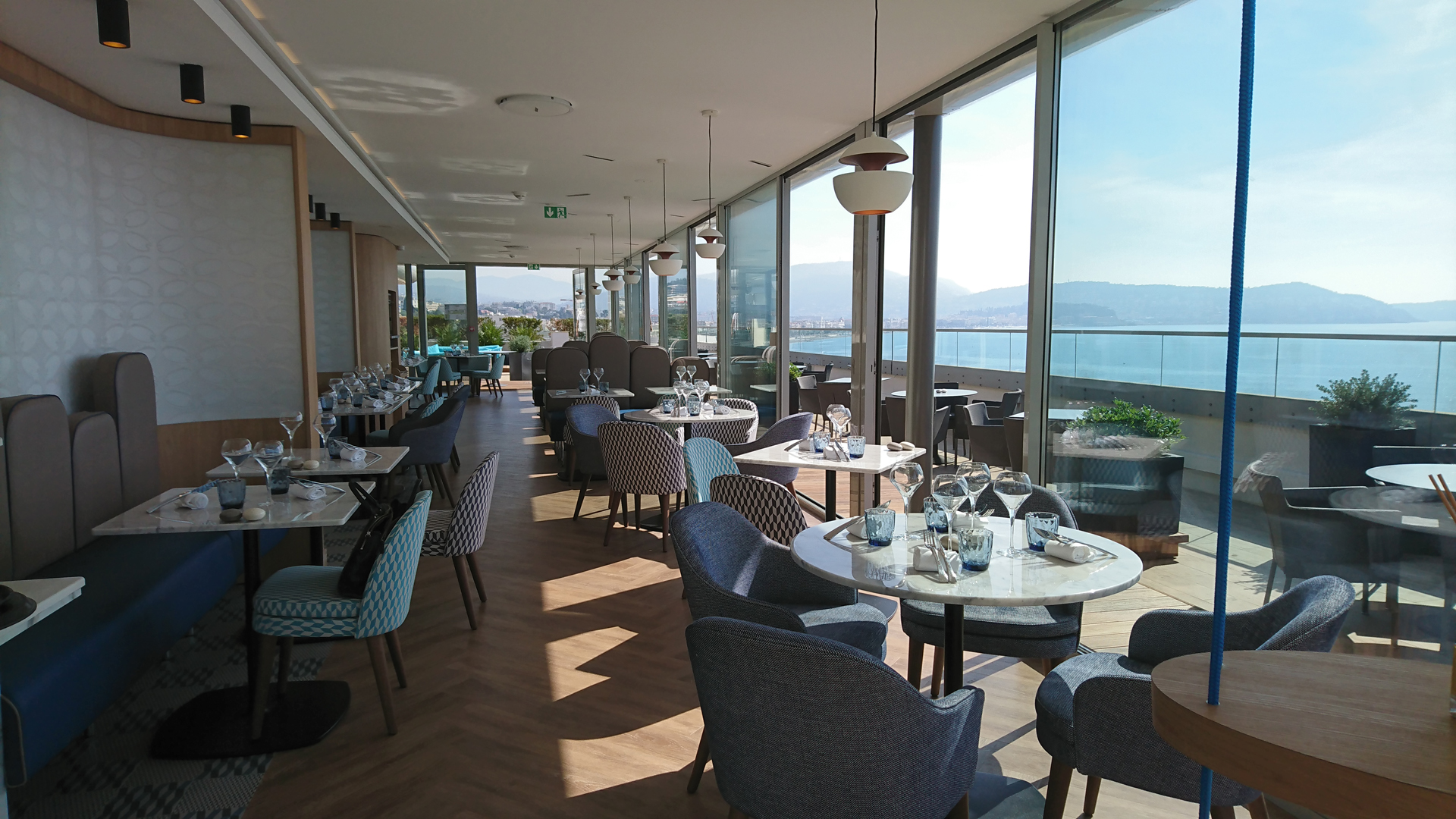 Radisson Blu Hotel Nice Fr Very Wood Italian Chair